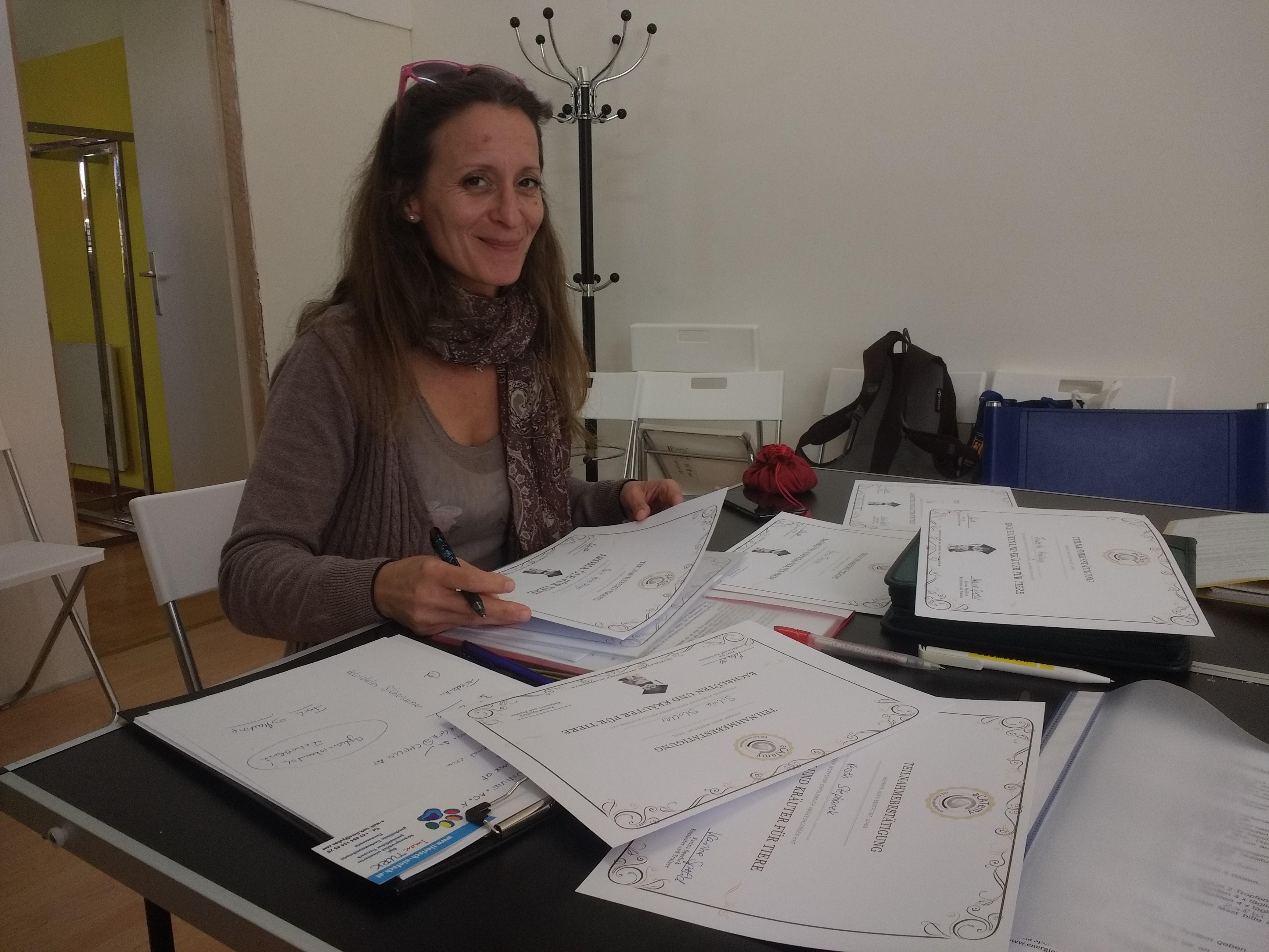 aCATemy Petra Ott Katzenschule copyright Aromaöl und Bachblüten Workshop...